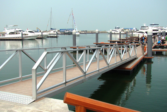 POTONA ALUMINUM PONTOON SERIES